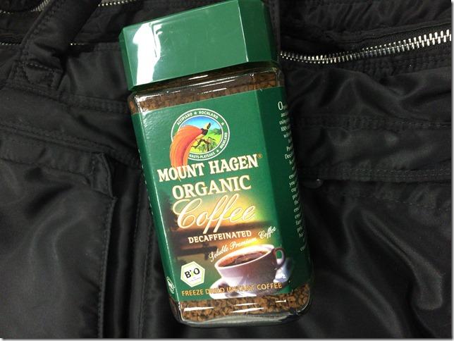 普段飲むインスタントコーヒーをカフェインレスに。マウントハーゲンがオススメ。